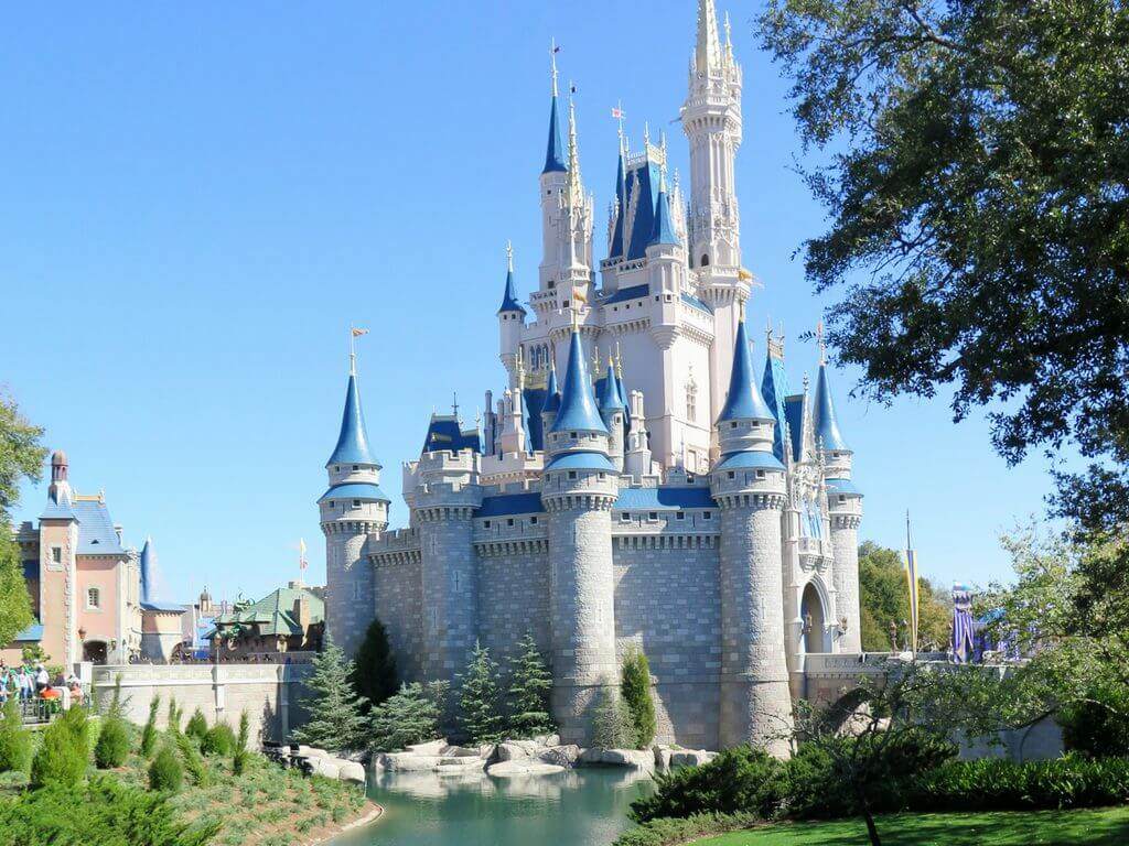 The Real Story Behind Disney S Fairy Tale Castle