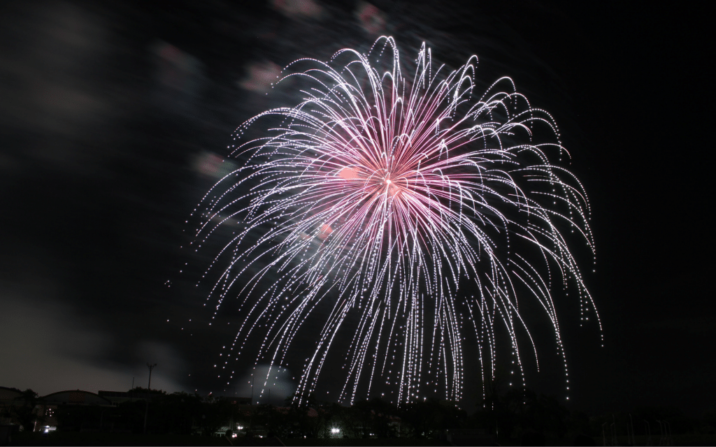 5 TIPS TO PHOTOGRAPH FIREWORKS LIKE A PRO