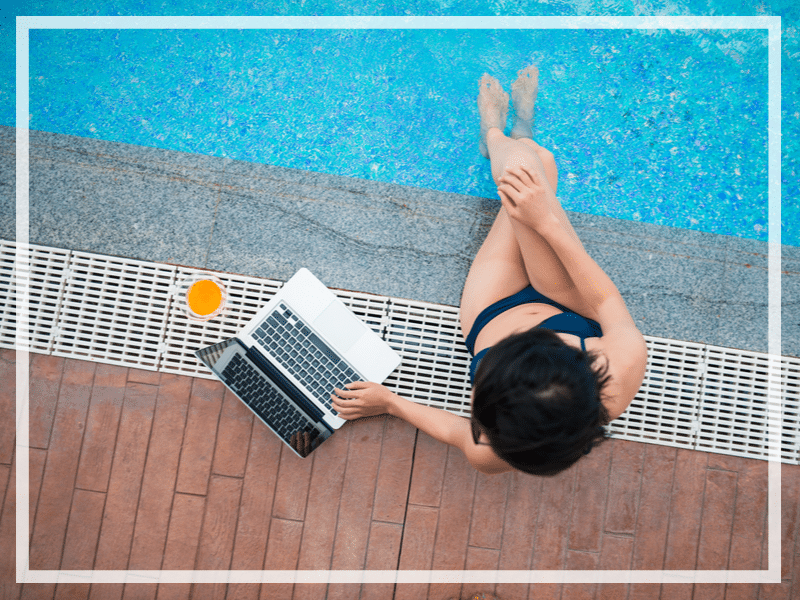 Whether you work on the road full-time or occassionally, these 9 travel essentials for the digital nomad are sure to make the journey easier!