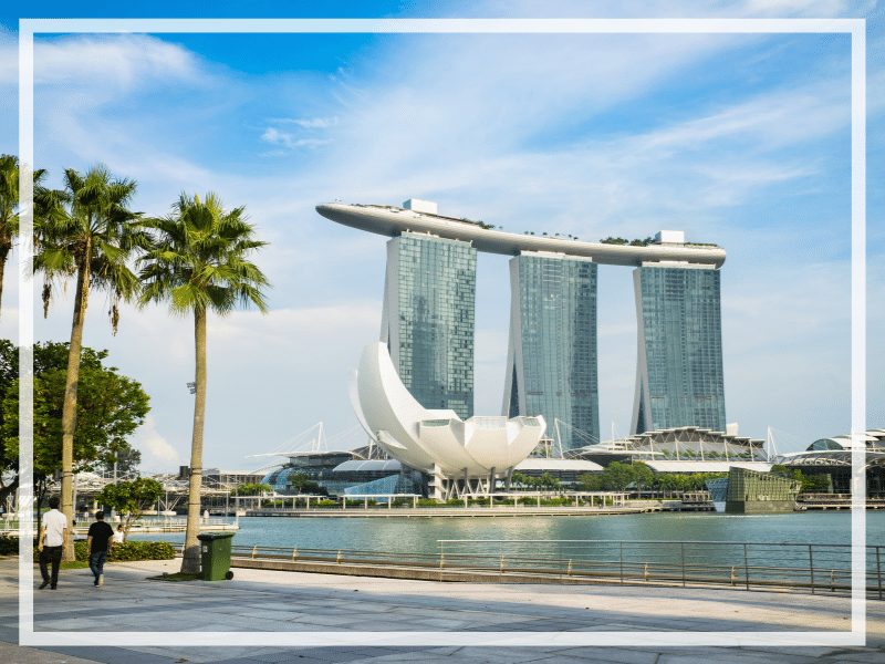 Find out what it's really like to stay at the Marina Bay Sands Singapore. What to expect, what's nearby, and what you shouldn't miss!